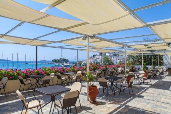 _restaurant harbor over view_resized