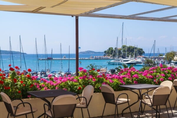 _restaurant harbor view_resized